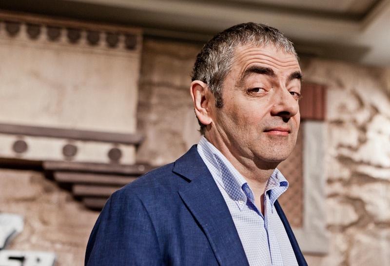 Mr Bean Rowan Atkinson dansanphoto actor